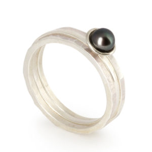 Flotsam Stacking Rings – Peacock Pearl x3