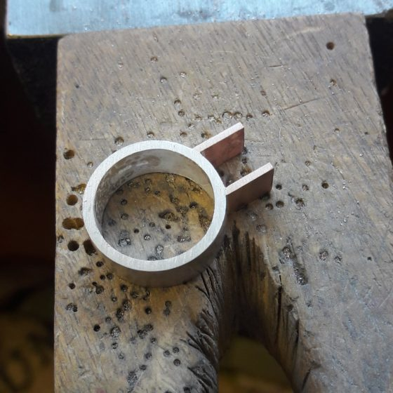 Roughly sanded ring